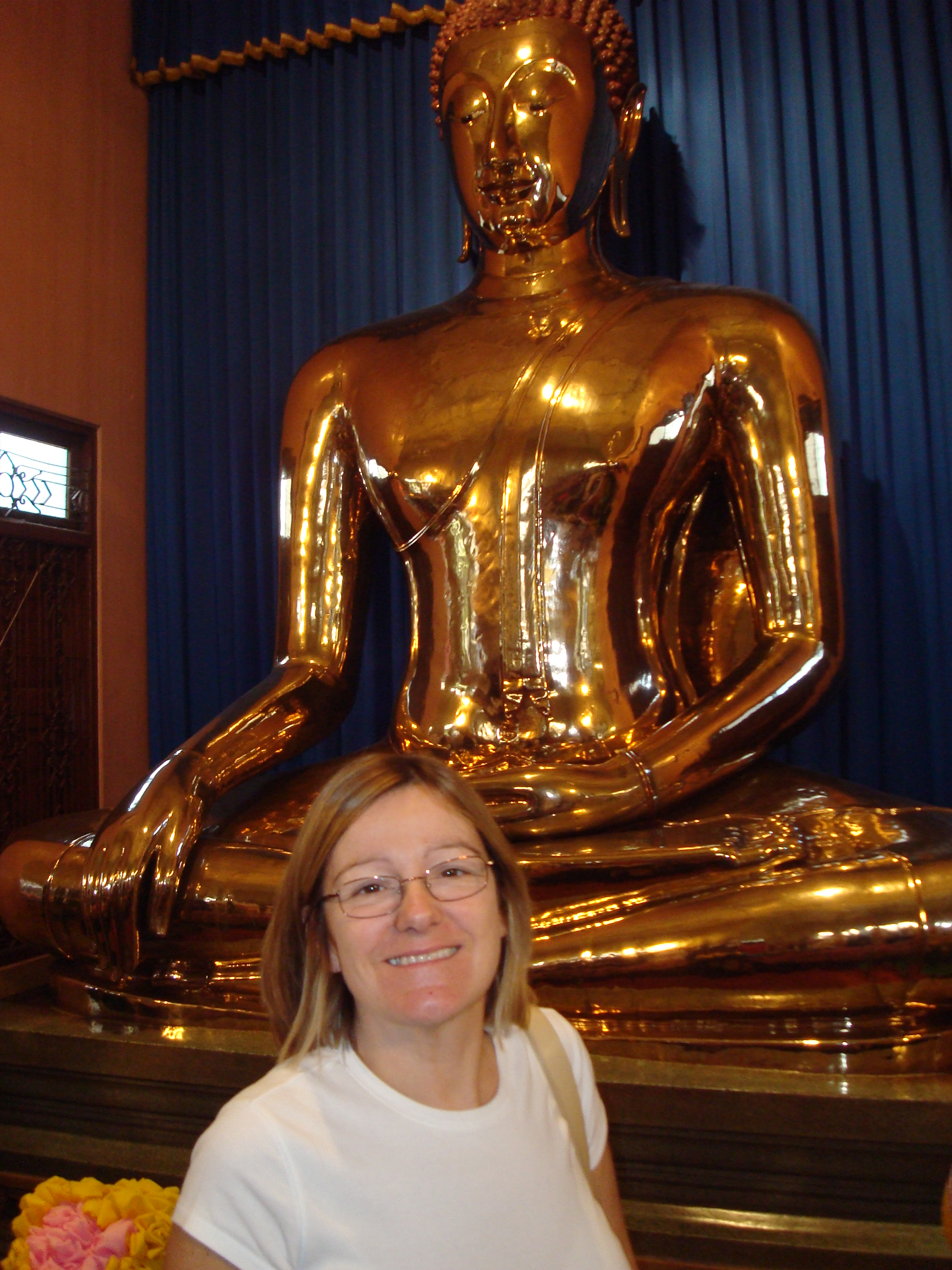 Meditating Buddha and a gold statue!